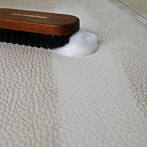 Reinigungsschaum für Rauleder Polster Schuhe Taschen Kunsstoff Leder Möbel